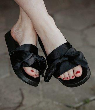 PiNNED by K Flipflop Black velvet