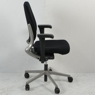 Ahrend 230 Bureaustoel Hoge Rug Zwart Nieuwe Stoffering Grijs Voetkruis 4D Armleggers