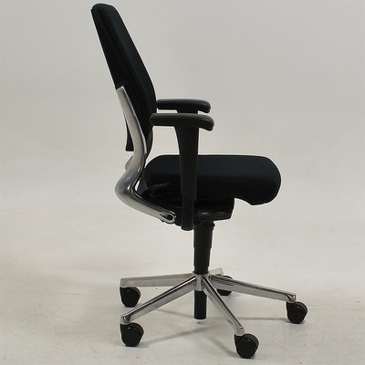 Ahrend 230 Bureaustoel Hoge Rug Zwart Nieuwe Stoffering  Chromen Voetkruis 4D Armleggers