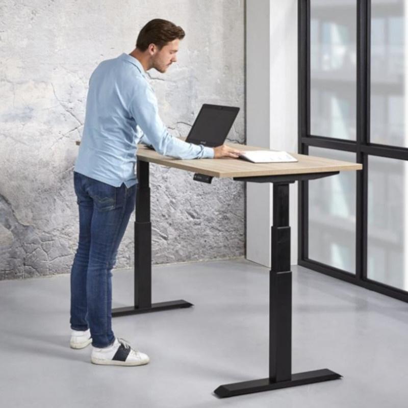 Elektrisch instelbare bureaus