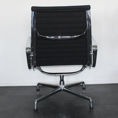 Vitra EA 116 Design Loungestoel Hopsak Zwart Chroom