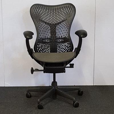 Herman Miller Mirra Bureaustoel Antraciet Refurbished