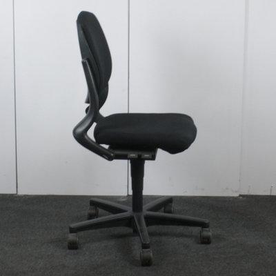 Ahrend 230 bureaustoel zwart zwart zonder armleuning