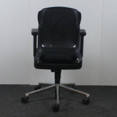 Ahrend 230 Bureaustoel Lage Rug Zwart Chroom Nieuwe Stoffering