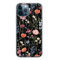 iPhone 12 Pro siliconen hoesje - Dark flowers