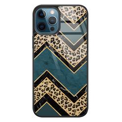 Leuke Telefoonhoesjes iPhone 12 glazen hardcase - Luipaard zigzag