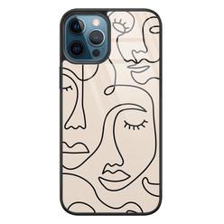 Leuke Telefoonhoesjes iPhone 12 glazen hardcase - Abstract gezicht lijnen