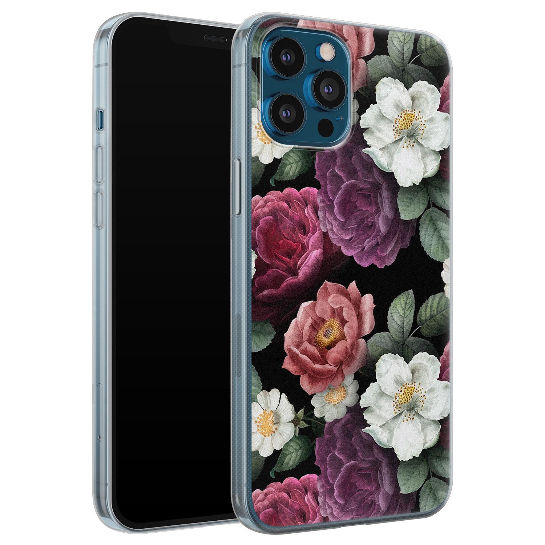 iPhone 12 Pro siliconen hoesje - Bloemenliefde