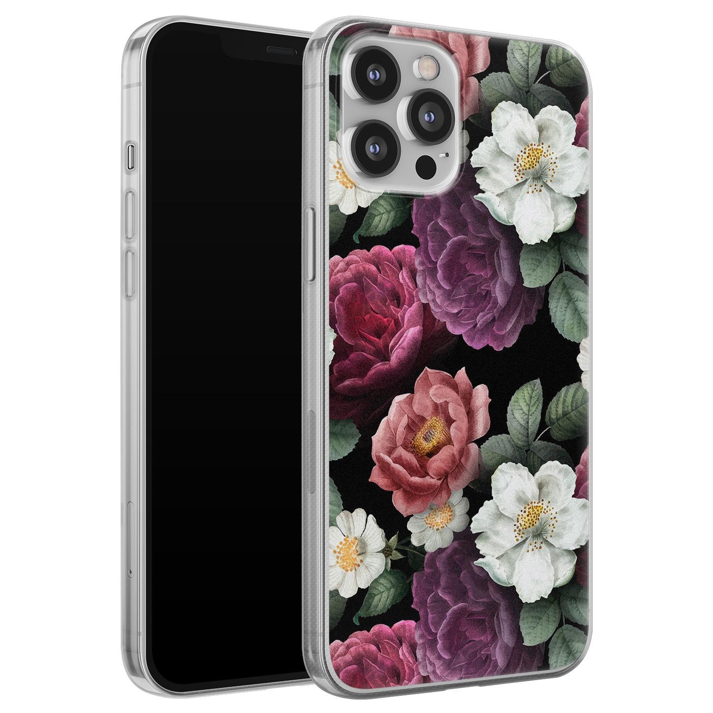 iPhone 12 Pro Max siliconen hoesje - Bloemenliefde