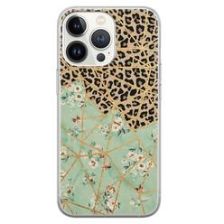 Leuke Telefoonhoesjes iPhone 13 Pro siliconen hoesje - Luipaard flower print
