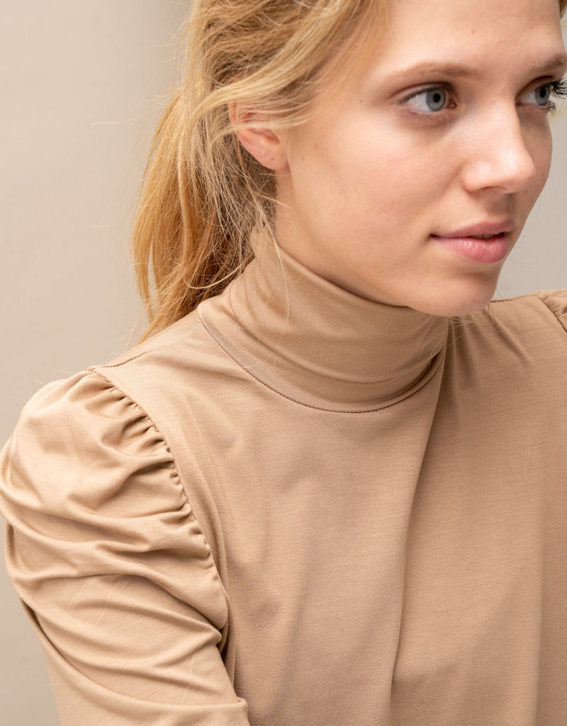Sous Pull Suzy - Camel Puff