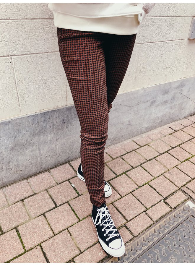 Pants - Madelaine Dogtooth / Brown