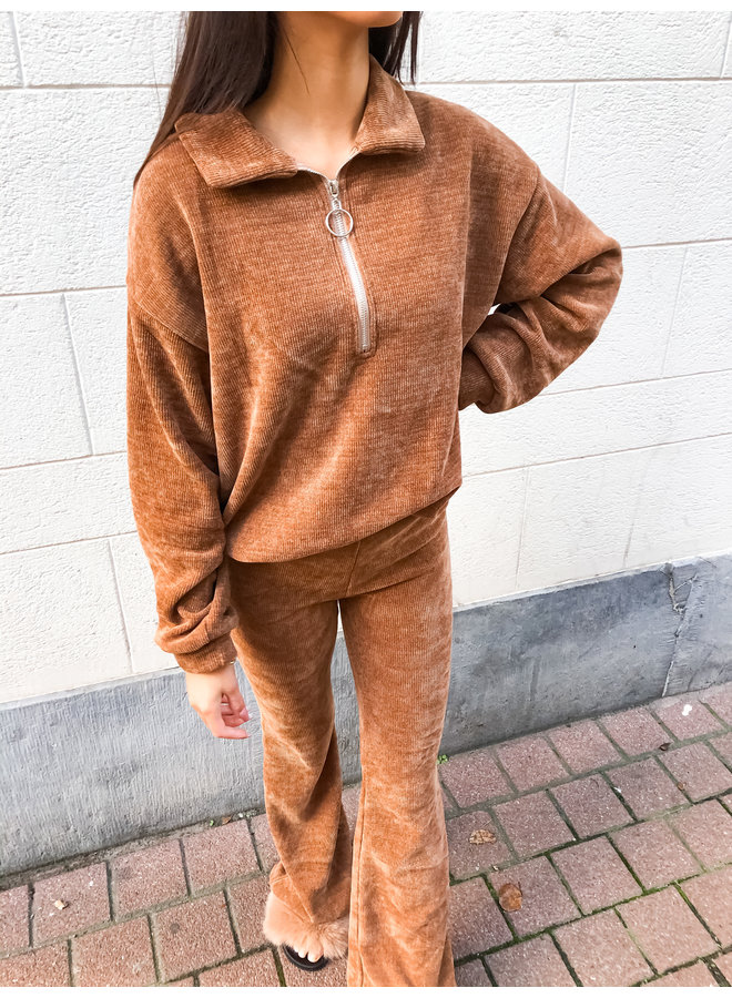 Comfy set - Zipper Sweater - Flair Pants / Brown
