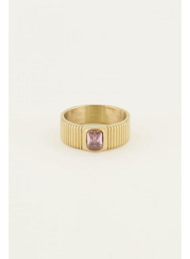 Ring - Brede ring met roze steen - Maat 18 / Goud