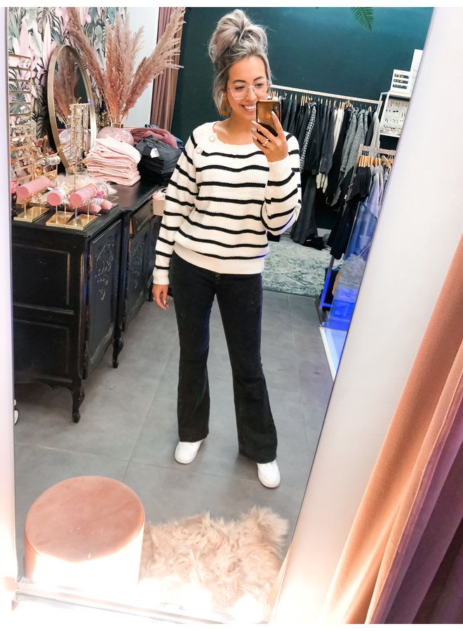 Sweater - Claire White Pearl button / Ecru - Black