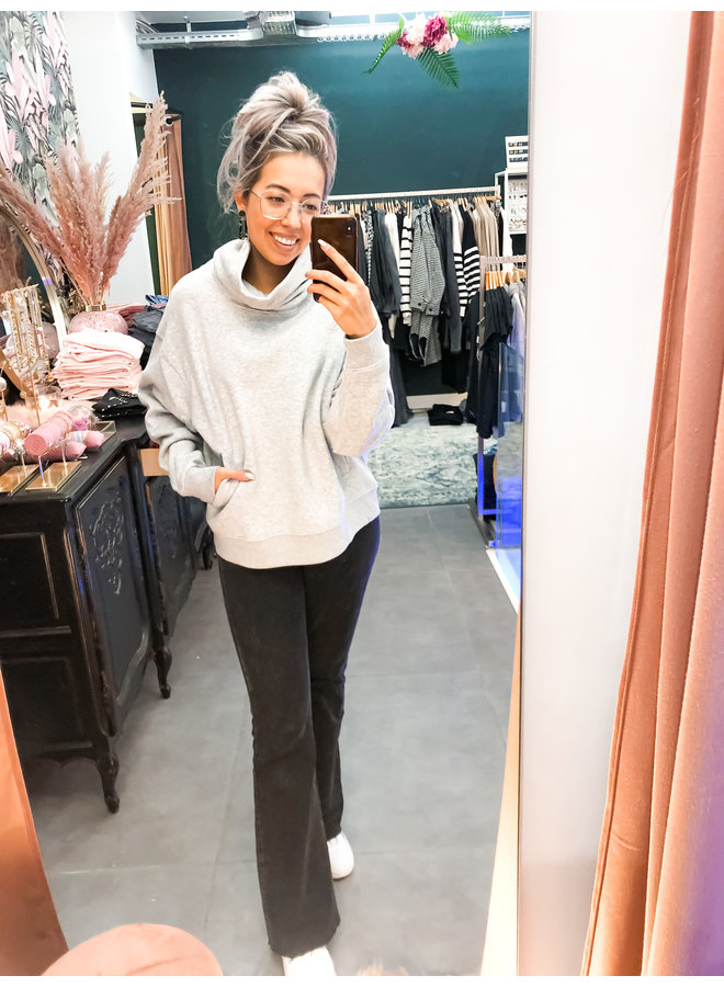 Sweater - Loose fit Turtle neck / Light Grey