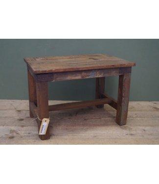 B598 - oude houten tafel
