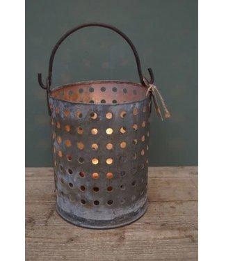 *B591 - bucket candle