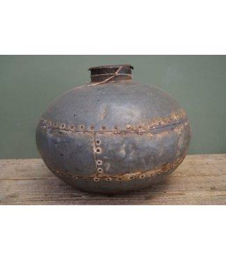 B560 - Waterpot