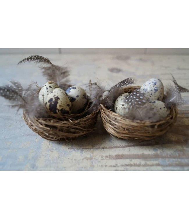 # E638 - Doosje met 2 nestjes met kwarteleieren - 8 cm