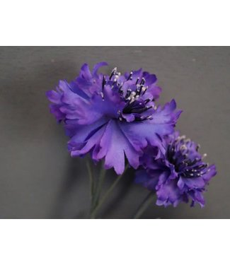 # W459 - Korenbloem - paars - kunst - 4 zijtakken - 3 bloemen - 1 knop - 61 cm