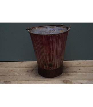 *Old iron bucket - 6 - 26 x 30 cm