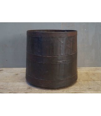 *W314 - Stoere bloempot - metaal - 20 x 20 x 18,5 cm