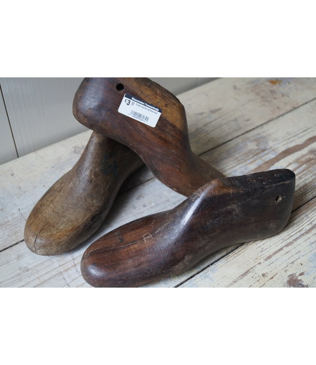 # Oude houten schoenmal - per stuk - ca. 28 x 12 x 10 cm