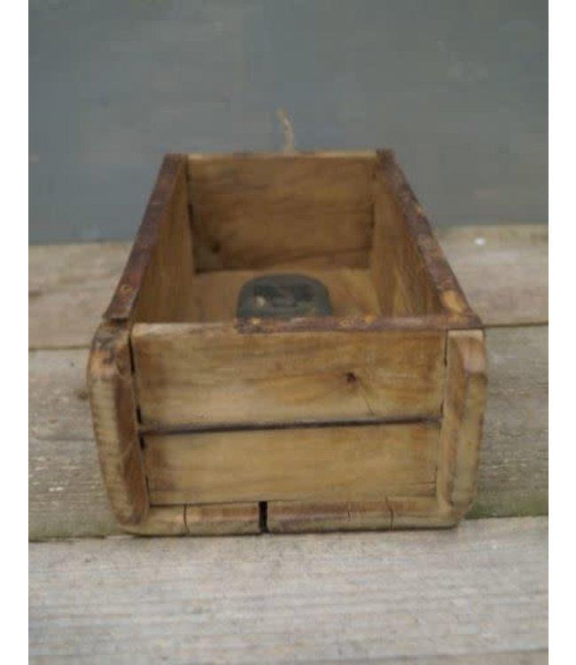 # S195 - Oude baksteenmal met stempel - hout - 32 x 15 x 9 cm