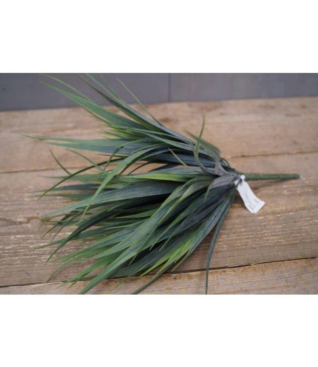## W447 - Grass Bush - 16 x 16 x 30 cm