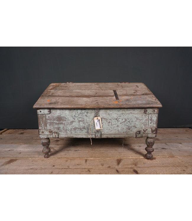 # Oude houten lessenaar - 1 - 68 x 48 x 45 cm