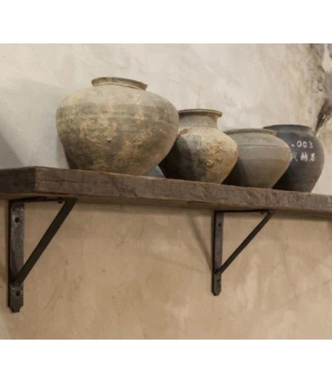 B294 - Robuuste wandplank oud hout incl. 3 smeedijzeren planksteunen - 140 x 20 x 5 cm - worden niet verzonden/alleen ophalen