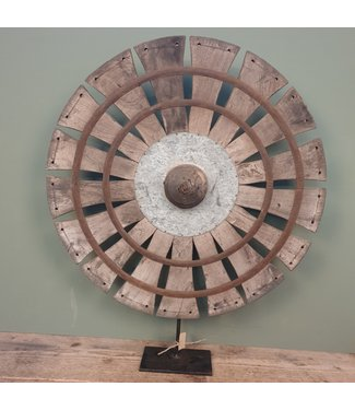 # Spinnewiel - 46 - 57 x 10 x 67 cm - wordt niet verzonden/alleen afhalen