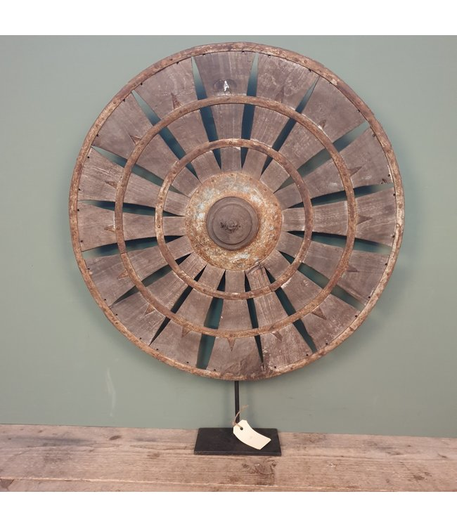 # Spinnewiel - 48 - 57 x 10 x 69 cm - wordt niet verzonden/alleen afhalen