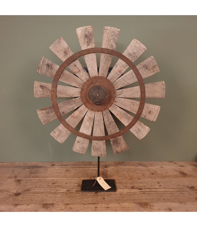 # Spinnewiel - 56 - 56 x 10 x 70 cm - wordt niet verzonden/alleen afhalen