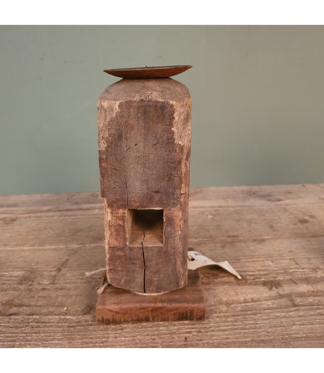 # B170 - houten kandelaar - 10 x 10 x 23 cm