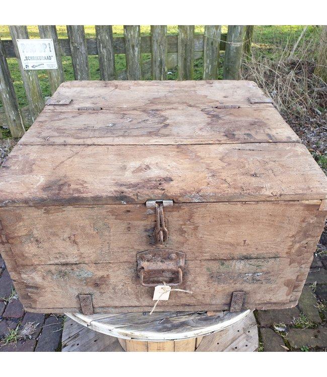 # Salontafel kist - 5 - 67 x 66 x 35 cm - wordt niet verzonden/alleen afhalen
