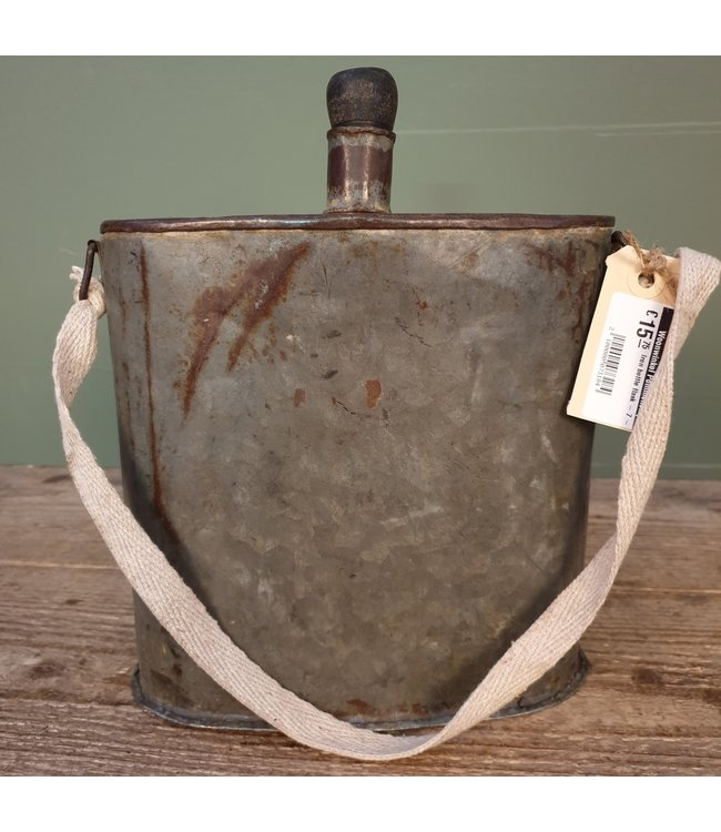 # Iron bottle flask - 7 - 21 x 11 x 28 cm
