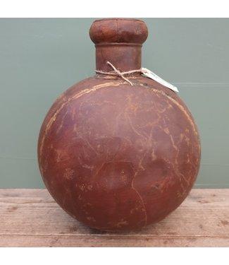 # Folklore fles bruin large - metaal - 4 - 30 x 18 x 38 cm