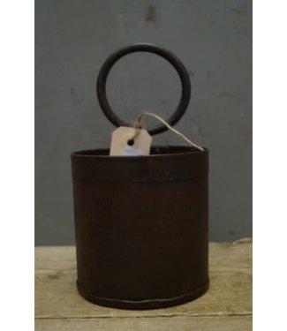 # F726 - Oude fleshouder - metaal - donkerbruin - 11 x 11 x 20 cm (incl. ring van 9 cm)