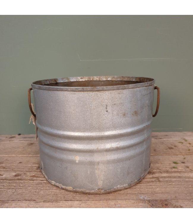 # B312 - iron bucket ears - 30 x 30 x 21,5 cm