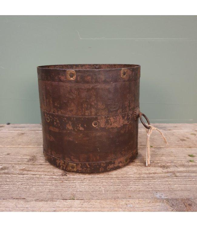 # Q310 - oude ijzeren pot klein - 21 x 21 x 20 cm