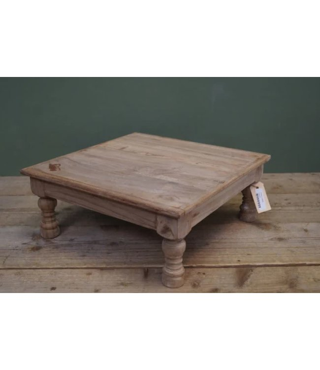 # B586 - houten minitafel - 40 x40x16 cm