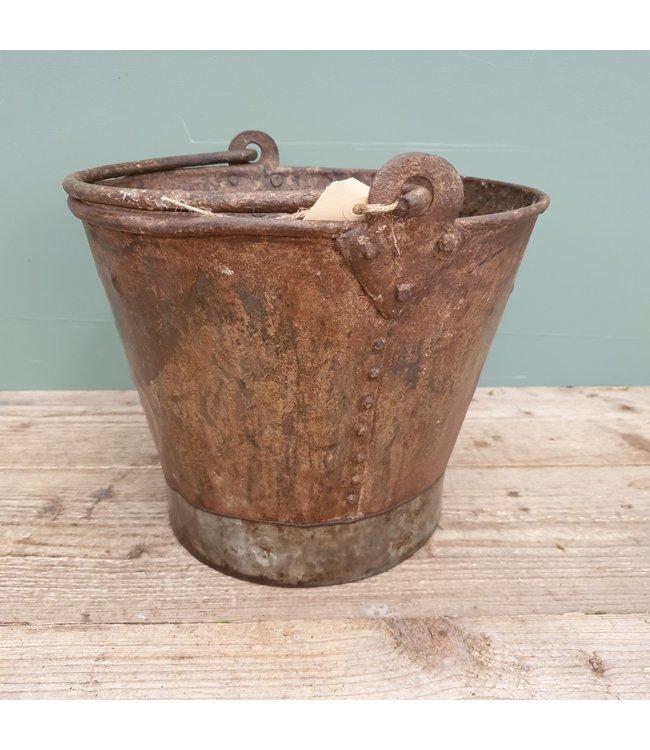 # Old iron bucket - 10 - 30 x 30 x 24 cm