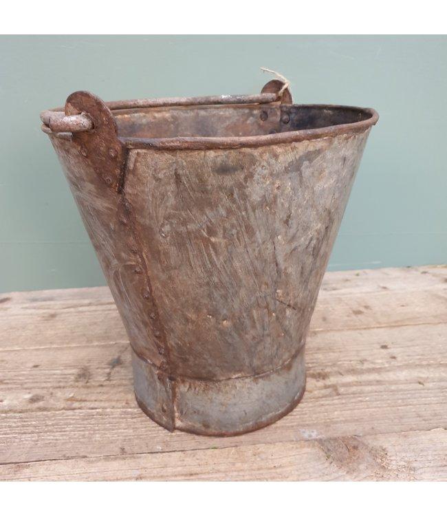 # Old iron bucket - 7 - 30 x 30 x 29 cm