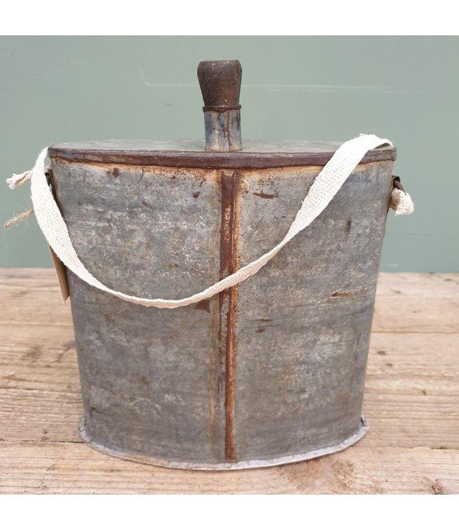 # Iron bottle flask - 10 - 24 x 12 x 23 cm