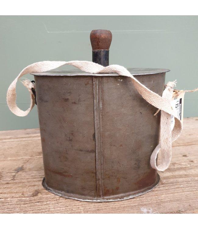 # Iron bottle flask - 9 - 20 x 12 x 18 cm