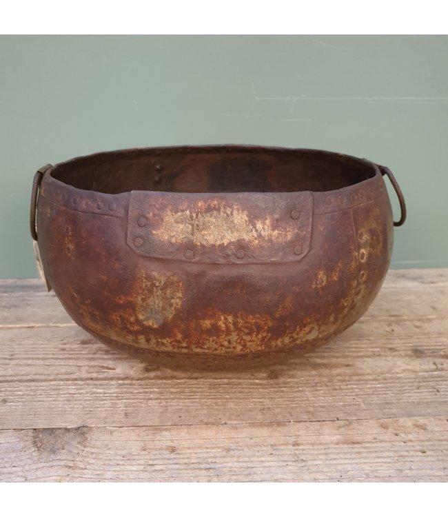 # Old iron bowl - 6 - 35 x 32 x 22 cm