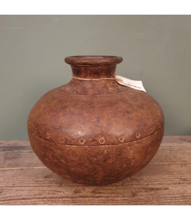 # A021 - matalen waterkruik bruin - 35 x 35 x 30 cm