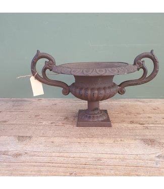 # B394 - franse lage vaas met oren m - gietijzer - 43 x 29 x 20 cm